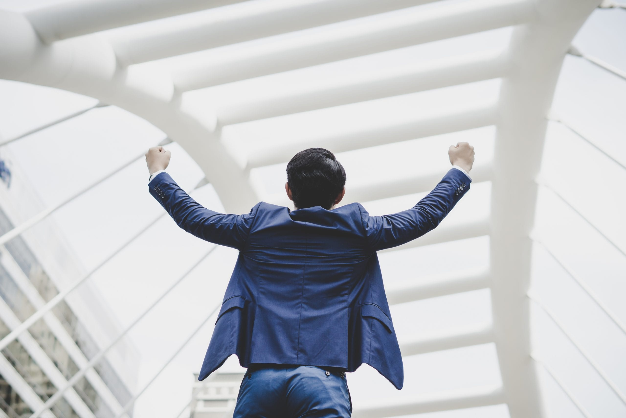 5 Tips to Become a Successful Insurance Broker in 2021